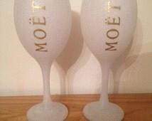 Set of 2 Moet glitter glasses