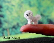 Mini amigurumi Bichon Frise dog. Comes with FREE handmade display box. Dollhouse miniature