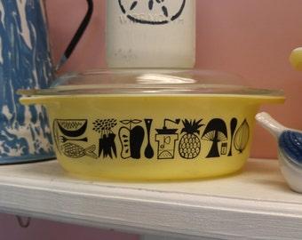 "Rare 1958 ""Mod Kitchen"" Pyrex Promotional Lidded Casserole Dish!!"
