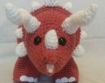 Crochet Triceratops - Crochet Dinosaur - Brown Dinosaur - Soft toy Triceratops - Soft toy Dinosaur - Dinosaur gift - Handmade Dinosaur toy