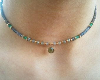 Colored stones necklace