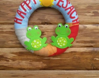 Pesach wreath, Passover wreath,  felt wreath,  passover, pesach, frog,  felt frog, Jewish decor, Jewish front door decoration, Pesach frogs
