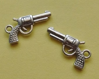 10 pc Gun Charm - CS2163