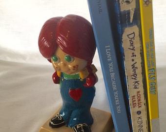 Vintage figurines. Collectible Girl figurine. Home decor. Kitsch. Sillisculpts. Anniversary gift.