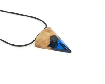 Resin and wood pendant necklace, Wooden geometric necklace, Triangle resin pendant, Minimalistically designed jewelry, Pizza slice jewelry