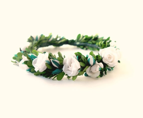 Boxwood flower crown, White floral wreath, Rose headpiece, Full leaf and flower circlet, Boho bridal flower crown, Boho bridal hair crown