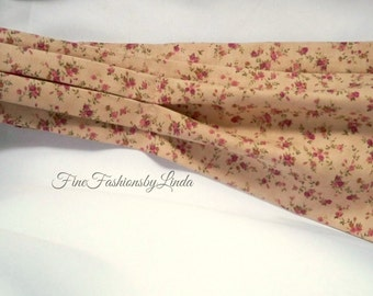 Cravat, Casual Day Ascot,  Cotton Fabric, Rosebud Design Tie, Formal Look, Country Wedding