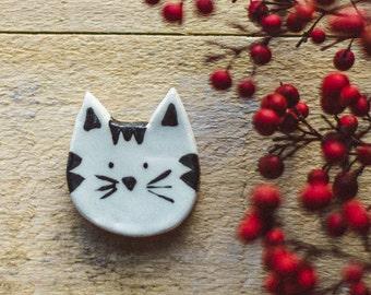 SALE. Cat brooch, cute cat brooch, ceramic brooch, nature accessories, Little cat brooch, Cat pin. Handmade clay brooch. Ceramic jewelry