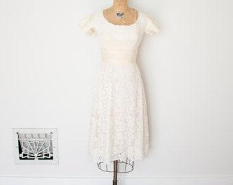 ON SALE - Vintage 1960s Dress - 60s Lace Wedding Dress - The Gina