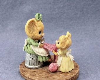 Mrs Shopmouse & Dancy Enesco Figurine 1985 Cute Mice Mouse Knitting 870773