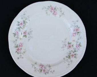 Set of 2, Homer Laughlin Liberty W442 Bread & Butter Plates, 1943 Vintage