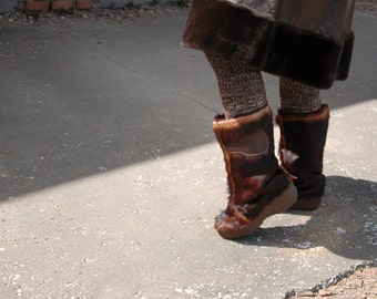 Brown fur boots, leather winter pull-on, Italy 10