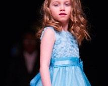 Girls hair bows Hair bows Flower girl hair bow Turquoise Organza bow Wedding Hair Bow Boutique hair bows Pageant hair bow
