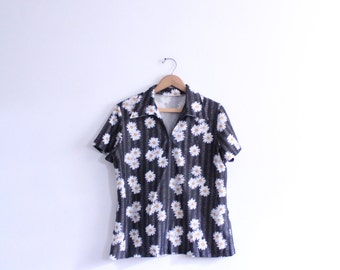 Graphic Daisy Flower Blouse