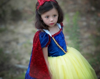 REVERSIBLE Snow White Cape