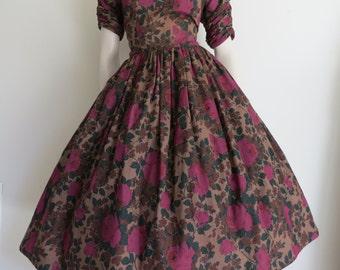 Lovely 50s 60s Floral Garden Party Dress / Large / Full Skirt