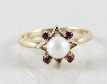 10k Yellow Gold Pearl and Ruby Ring Size 7 3/4