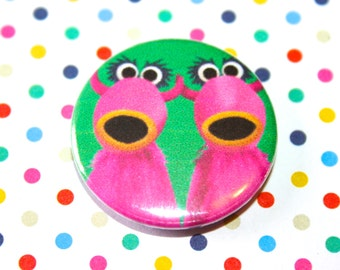 The Muppets Pink Snowth Mahna Mahna Button Pin Badge