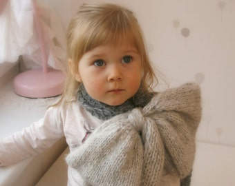 KNITTING PATTERN  bow scarf Inge
