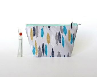 Make up bag, bridesmaid gift, cosmetic pouch, medium zipper pouch, organic cotton, make up pouch blue