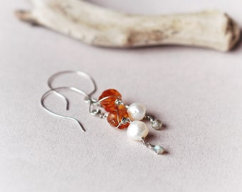Unique Raw Amber, Pearl and Labradorite wire wrapped earrings, Natural Baltic Amber, Freshwater pearls, Labradorite, Copper, hand-crafted