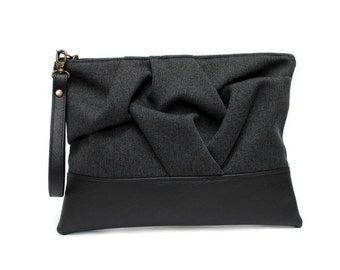 Black Vegan Clutch Bag, Boho Clutch Purse, Black Wristlet Bag,Large Zipper Clutch,Faux Leather Purse,Black Vegan Handbag,Big Wristlet Clutch