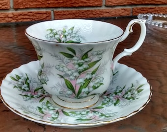 Royal Albert LILY of THE VALLEY Cup & Saucer Set Bone China Springtime Series