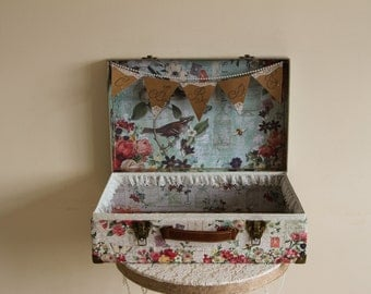 Extra Large Love birds wedding card suitcase.