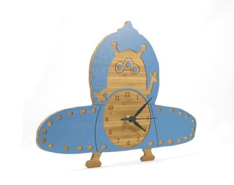 Eddie the Alien Flying Saucer Clock