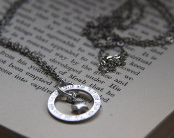 Long silver coloured necklace with pendant 'Love Dream Trust Hope'