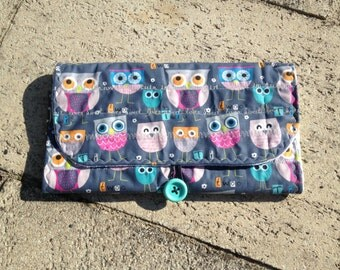 Heides Babyclutch:  Diaper bag and changing mat in one! ** OWLS **
