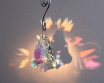 Bell shaped Crystal Suncatcher & hanger Feng Shui Xmas Decoration / Gift