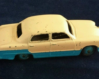 Vintage Dinky toys 170 Ford Sedan Pink / Blue Two Tone recent loft find