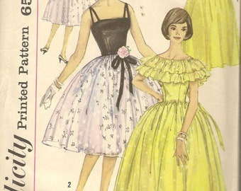 Vintage Simplicity 3822 Princess Prom Evening Dress with Capelet  Sewing Pattern Size 16