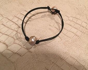 Fresh water single pearl leather Bracelet