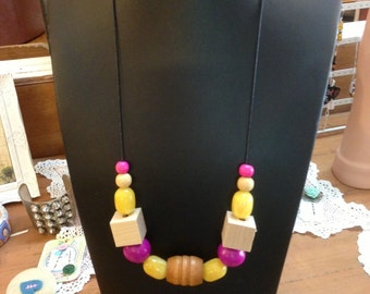 Fuschia and yellow beaded necklace