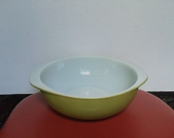 Vintage Pyrex 024 Verde Avocado Green 2 QT. Round Bowl With Handles - Casserole Dish - Serving Bowl - Ovenware - Made in USA