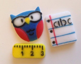 12 Ready for school edible sugar toppers with ruler, notebook and owl.