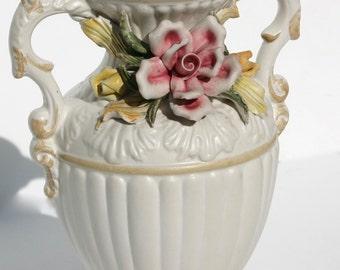 Capodimonte vase, vintage vase, antique vase, rose vase, china vase, antique china vase, opulent vase, antique vase, Vivo 50s.