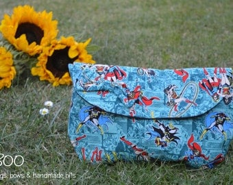 Wonder Woman Clutch, Make-Up Pouch & Bow Set