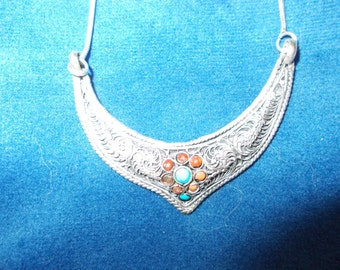 Vintage solid sterling silver turquoise and coral plaque necklace
