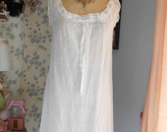 Pretty 1920's White Cotton Teddy