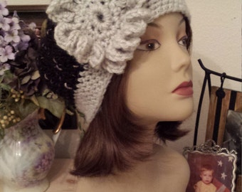 Winter hat with a retro look hand made by petronella
