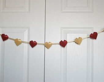 Valentine Heart Garland.Paper Heart.Paper Garland.Origami Garland.Christmas, Wedding, Bridal Shower Decor.Gold Red Garland.Party decoration.