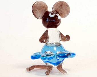 Glass Mouse in Dress Figurine (code 097)
