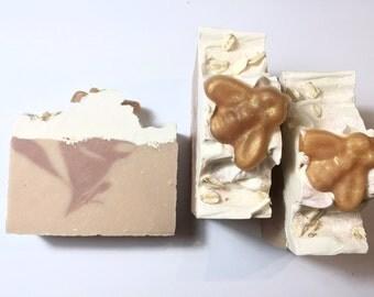 Oatmeal Milk Honey Soap, Honey Soap, Cold Process Soap, Vanilla Soap, Oatmeal Soap, Sweet Soap, Homemade Soap, Handmade Soap, Bee Soap