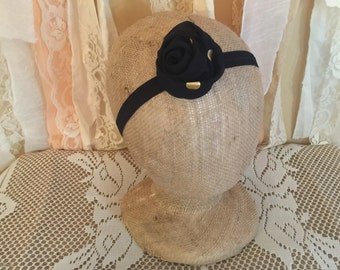 Black Elastic Headband Embellished with Flower