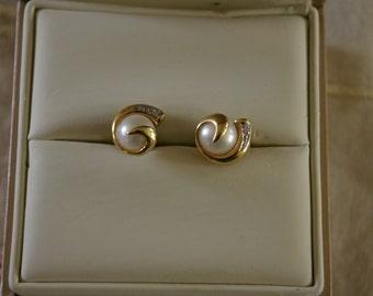 Ladies Stud Earrings