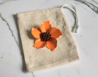 1960's vintage enamel brooch. 1960's enamel flower brooch. Flower pin. Orange flower brooch. Metal brooch. 1960's floral brooch. FREE SHIP!