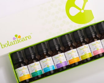 Aromatherapy Essential Oil Gift Set - Great to Diffuse Oil or DIY soap making. 8 Essential Oil bottles 10ml  Includes pipette dropper.
